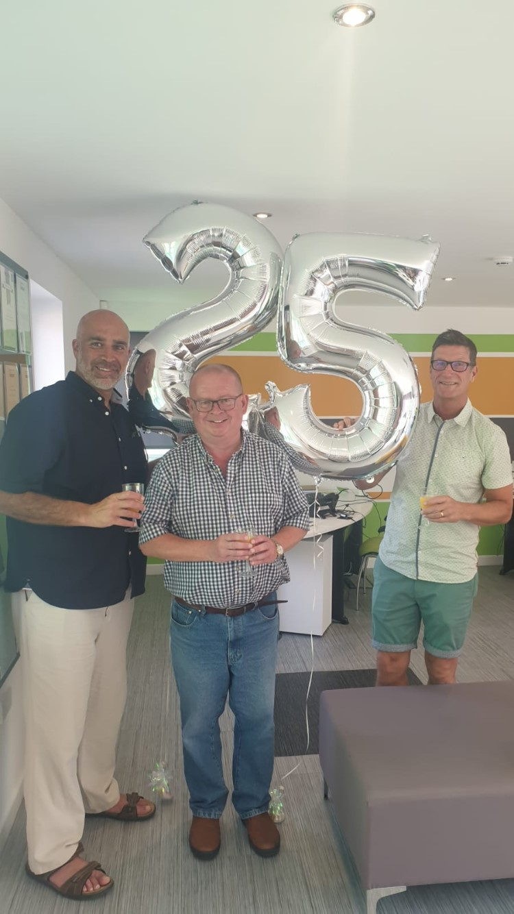 Independent agent founded by ex-footballer marks 25 years in the sector